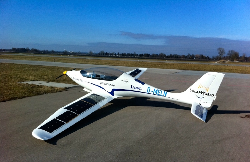e-one electric plane with solar panels