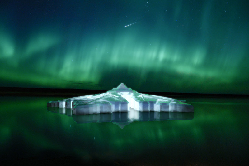 floating-krystall-hotel-northern-lights-aurora-norway