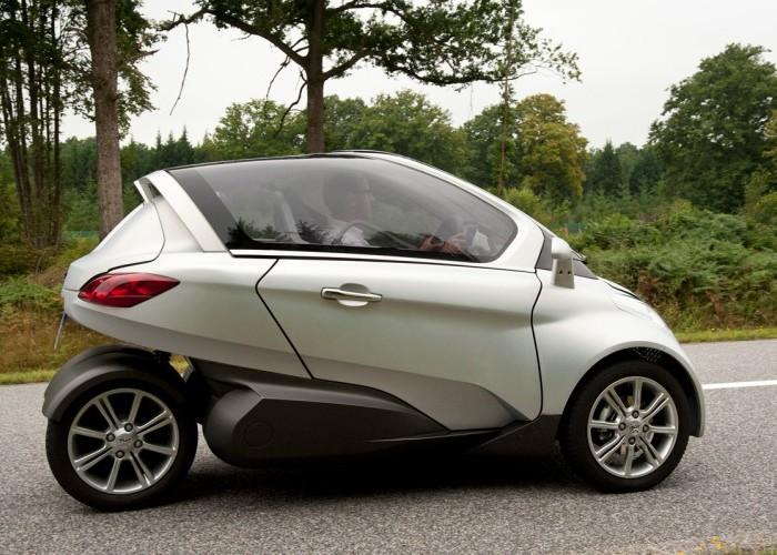 electric car with solar panels  | trente.eu