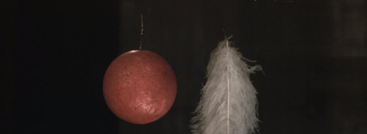 Experiment Bowling ball feather vacuum galileo galilei